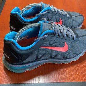 Nike Air Max size 8.5 sneakers